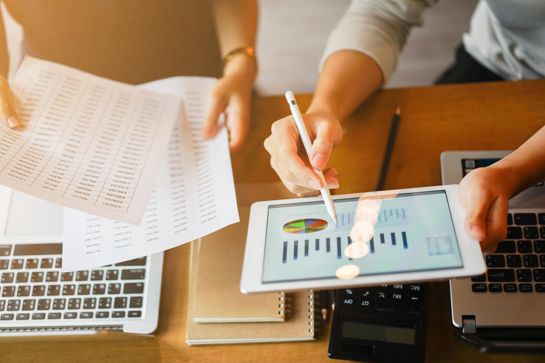 E-Commerce Website Data Management